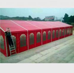 红色篷房搭建